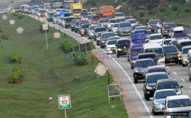 Larangan Truk Melintas Dicabut, Lalu Lintas di Tol Cipali Diprediksi Makin Macet
