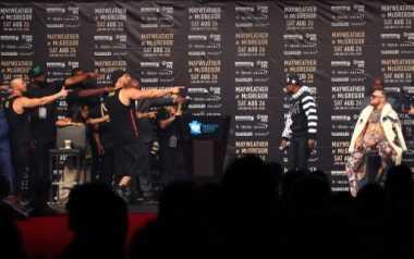 Mayweather Digosipkan Pukul KO McGregor saat Latihan, Vargas: Saya Tak Akan Percaya Sebelum Melihatnya Sendiri!