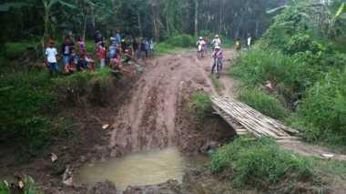 Temani Bupati Lahat Aswari Riva'i, 20 Motor Trail Ikuti Kegiatan Offroad