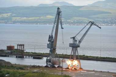 VIDEO: Duh! Berdiri Lebih dari Setengah Abad, Crane Ikonik di Pelabuhan Skotlandia Diledakkan
