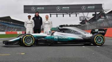 Bersaing Ketat pada Musim 2017, Hamilton: Mercedes Sukses Mengalahkan Ferrari