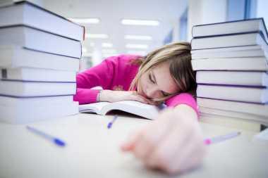 Stres & Depresi saat Kuliah Bisa Picu Bunuh Diri, Nih Solusinya!