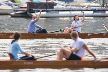 Kalahkan Istrinya dalam Balap Perahu, Pangeran Inggris Diliputi Kegembiraan