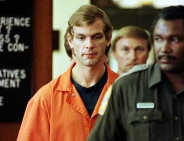 HISTORIPEDIA: Pembunuh Kanibal Sadis, Jeffrey Dahmer Tertangkap
