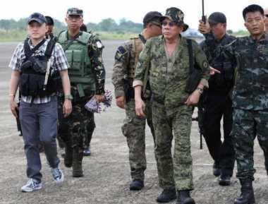 Ogah Berdamai, Duterte Akan Buru Pemberontak Komunis Filipina