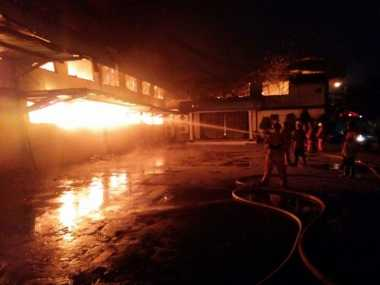 Gudang Garmen di Cilincing Terbakar, 11 Damkar Dikerahkan