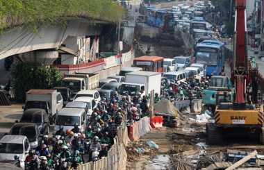 Macet di Jakarta Makin Merajalela, Polda Metro Gandeng Pak Ogah Atur Lalu Lintas