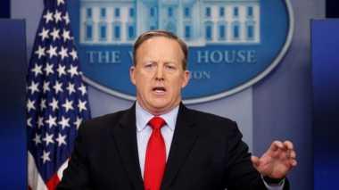 Mengejutkan! Juru Bicara Gedung Putih Mengundurkan Diri