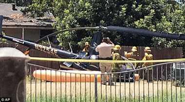 Waduh! Helikopter Kecil Mendarat Darurat di Tengah Jalan Los Angeles