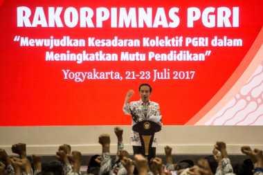 Jokowi: Jangan Sampai Anak Kita Dididik oleh Medsos dan Rusak Karakternya