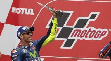 Tampil Tercepat di GP Belanda, Ini Ekspresi Kebahagiaan Rossi dan Tim
