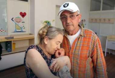 Bayi Lahir Setelah Dinantikan Selama 20 Tahun, Suami Malah Minta Cerai