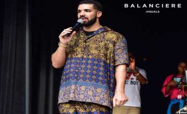 Viral! Gaya Busana & Gesture Unik Drake Jadi Bahan Olok-Olok