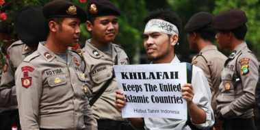 Dibubarkan Tanpa Proses Pengadilan, HTI Mengadu ke DPR