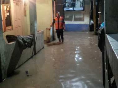 Diguyur Hujan, Wilayah Kebayoran Lama Tergenang 10 Cm