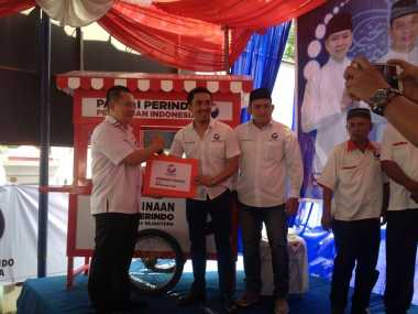 Perindo Salurkan 62 Gerobak ke Pelaku UMKM di 7 Wilayah di Sumatera Utara