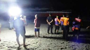 Nahas! Bawa Ratusan Wisatawan dari Gili Trawangan, Sebuah Fast Boat Terdampar di Karangasem
