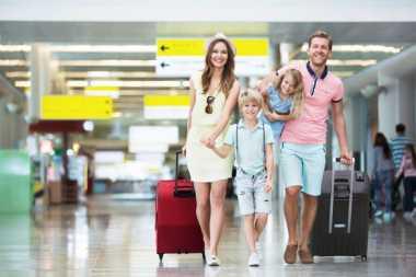 3 Hal yang Harus Dilakukan Jika Travelling Naik Pesawat Bareng Anak, Bawa Mainan Kesukaannya!