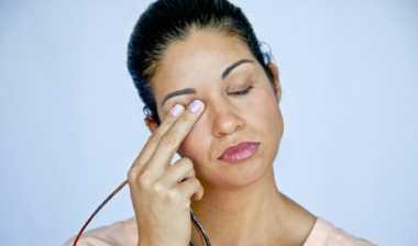 Hindari Mengucek Mata, Trik agar Extension Bulu Mata Tetap Cantik Maksimal