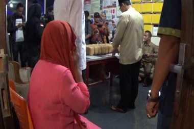 Asyik Pesta Sabu, 2 Ibu Rumah Tangga Diringkus di Rumah Kontrakannya