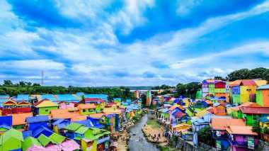 Punya Sisa Liburan? Datangi 4 Kampung Warna-warni yang Lagi Hits di Pulau Jawa