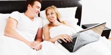 Khusus Dewasa! Kebohongan Terbesar Film Porno yang Dipercayai Pria Bisa Memuaskan Istri