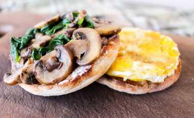 URBAN FOOD: Sarapan dan Makan Siang Praktis dengan Menu Sehat? Pilih Bayam Yuk Moms!