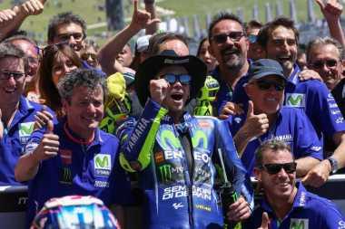 Baru Raih 1 Kemenangan, Ini Selebrasi Podium Valentino Rossi di Sirkuit Assen