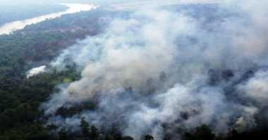 Mantap! BNPB Kerahkan 18 Heli Water Bombing untuk Atasi 179 Titik Panas Se-Indonesia