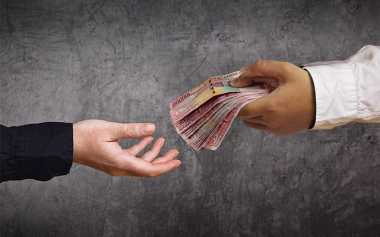2 Pejabat di Klaten Jadi Tersangka Suap Jual-Beli Jabatan yang Menyeret Bupati Sri