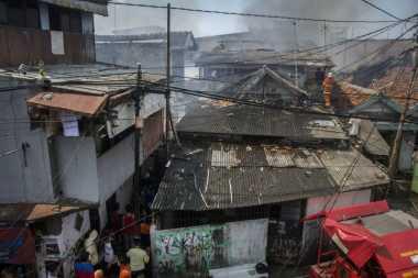 Korban Kebakaran Permukiman Padat di Senen Diungsikan ke Musala