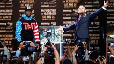 Terkait Duel Mayweather Jr vs McGregor, Ini Prediksi Mike Tyson