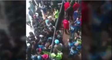 Polrestabes Bandung Dalami Oknum Polisi Izinkan Penonton Tanpa Tiket Masuk ke Stadion GBLA