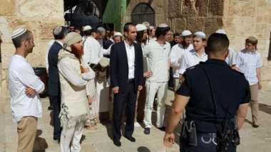 Makin Panas, Ratusan Warga Israel Datangi Masjid Al Aqsa