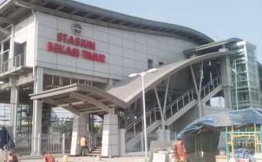 Progres Stasiun Bekasi Timur dengan Lift Sudah 90%, Warga Setempat Semringah