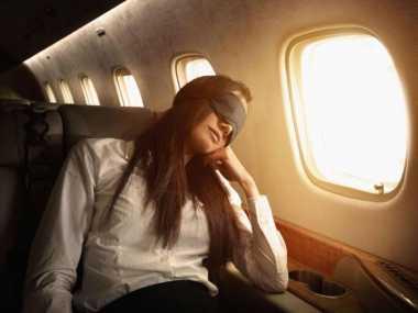 Sering Merasa Jet Lag saat Penerbangan Jarak Jauh? Yuk, Kenali Penyebabnya