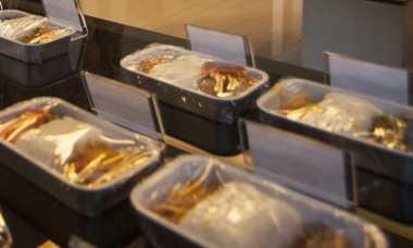 HARI MERDEKA: Naik Kelas, Nasi Uduk dan Nasi Campur Bali Disajikan di Pesawat
