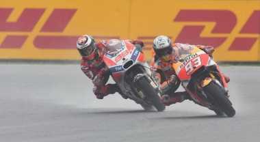 WADUH! Ini Video saat Lorenzo dan Marquez Hampir Bertabrakan di MotoGP Austria 2017