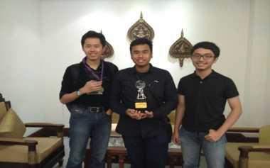 Keren! Mahasiswa Bandung Raih Juara Pertama Kompetisi Debat Asia