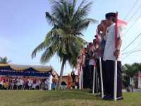 HARI MERDEKA: Pakaian Adat & Bambu Runcing Warnai Upacara Kemerdekaan di Rumah Fatmawati