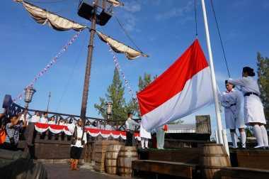 HARI MERDEKA: UNIK! Upacara Bendera ala Bajak Laut di Tempat Wisata Yogyakarta