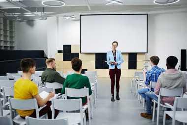 Jempol! Mahasiswa Baru Diberi Pembinaan Soft Skill agar Mudah Dapat Pekerjaan