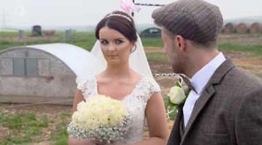 Alamak, Pria Ini Habiskan Dana Rp242 Juta Demi Menikah di Kandang Babi
