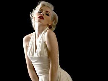 Gaun Termahal dalam Sejarah Dunia Hiburan Hollywood, Gaun Putih Seksi Ikonik Marilyn Monroe Termasuk!