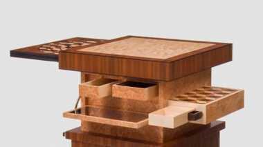 Intip Desain Meja Antik yang Tak Terpikirkan oleh Manusia