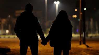 Sungguh Menyayat Hati! Cari Uang untuk Kekasih, Malah Selingkuh dengan Sahabat Sendiri