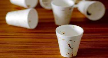 Suka Ngopi? Ini Bahaya Minum Kopi dari Gelas Styrofoam