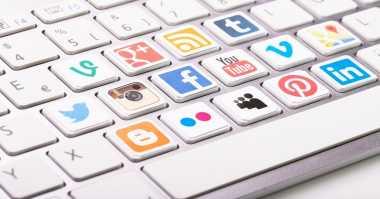 Nih Cara Memaksimalkan Media Sosial untuk Mencari Kerja. Apa Saja?