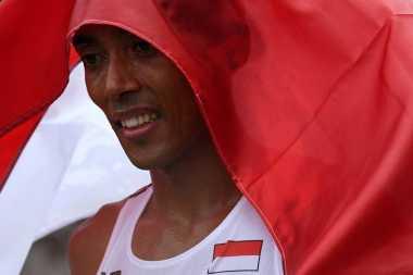 Sang Saka Merah Putih Terbalik, Adhyaksa Dault: Indonesia Harus Protes Keras!