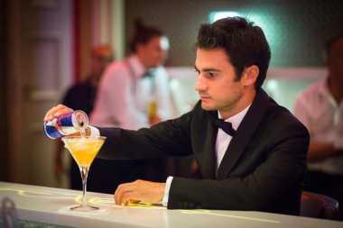 Tampil Layaknya James Bond di Austria, Pedrosa: Saya Akan Pilih Marc dan Vale untuk Jadi Musuh!